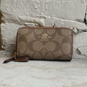 Authentic Coach coin purse/wallet